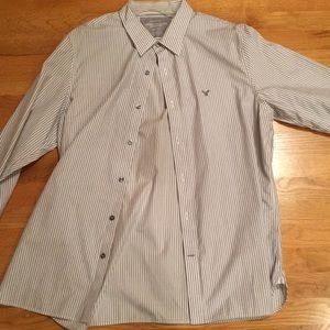 American Eagle Button up like new